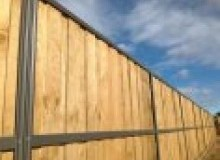 Kwikfynd Lap and Cap Timber Fencing airliebeach