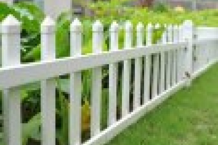 Fencing Companies Picket fencing 720 480